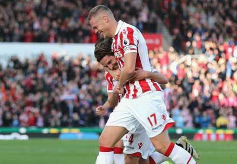 Video Clip ban thang Stoke vs 2-0 Sunderland Vong 8 NHA 201617 hinh anh