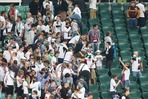An ninh cho tran dau Real Madrid vs Legia Warszawa duoc siet chat hinh anh