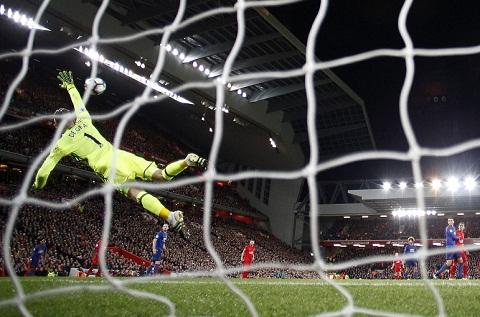 Nhung diem nhan sau tran derby day toan tinh giua MU va Liverpool hinh anh 5