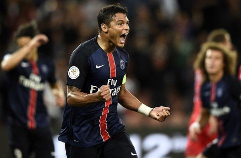 Juventus nham Thiago Silva thay Bonucci hinh anh