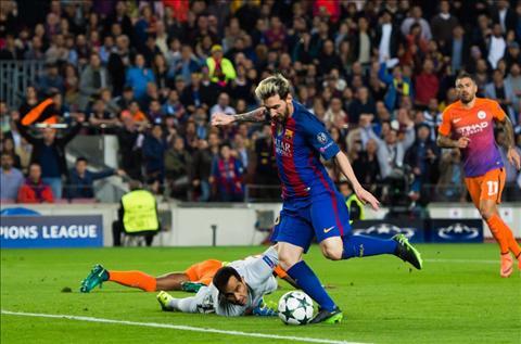 Barca 4-0 Man City Pique va Alba dinh chan thuong hinh anh