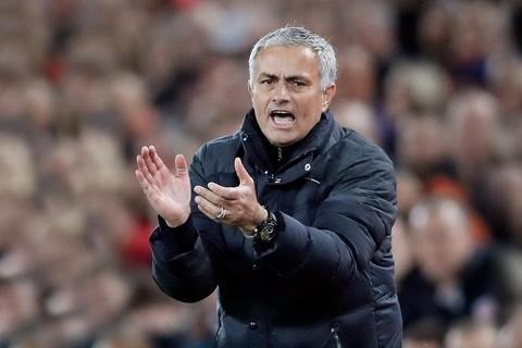 Obi Mikel cho rang Jose Mourinho da het phep.