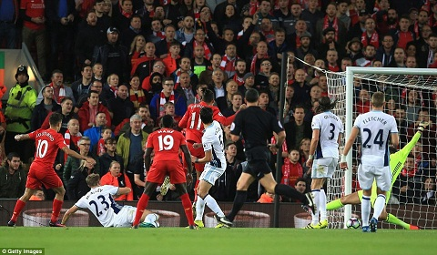 Du am Liverpool 2-1 West Brom Bo ba hoan hao hinh anh 3