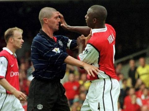 Hoi uc Old Trafford Man United, Arsenal va bi an pizzagate hinh anh 6