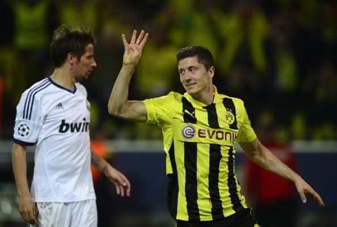 Tran thua Dortmund la that bai nang ne nhat cua Mourinho tai dau truong Champions League.
