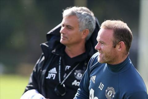 Mourinho doi y, Rooney chuan bi ra duong hinh anh