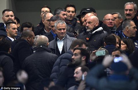 Mourinho trong giai doan dau thuong chien thang nho su dung tam ly chien.