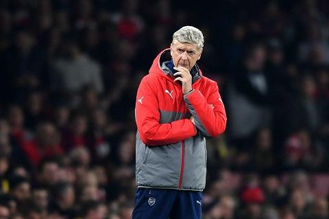 HLV Claudio Ranieri phan bac HLV Wenger hinh anh