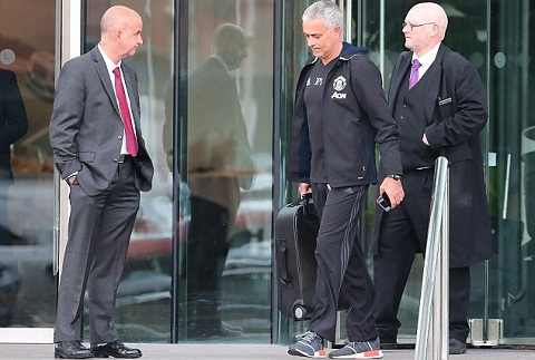 Jose Mourinho Cuoc song tai Manchester that la tham hoa hinh anh