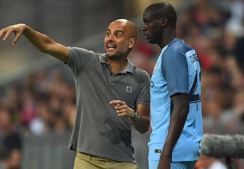 Pep Guardiola Toi muon tien ve Yaya Toure ra san nhung khong the hinh anh 2