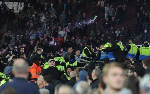 CDV Chelsea va West Ham au da gay nao loan 1 goc khan dai
