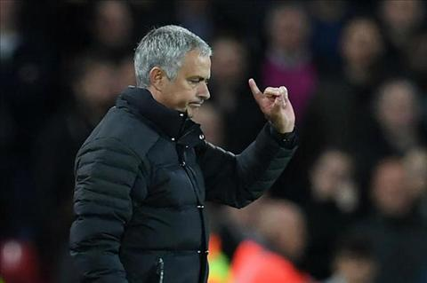 Mourinho tuyen bo muon o lai MU lau hon ba nam hinh anh
