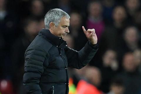 Mourinho sap bi FA phat vi phat ngon ve trong tai  hinh anh