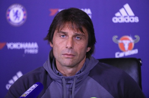 HLV Conte len tieng ve tuong lai tien ve Frank  Lampard hinh anh 2