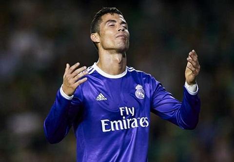 Cuu sao Tay Ban Nha ly giai tai sao Ronaldo da het thoi hinh anh