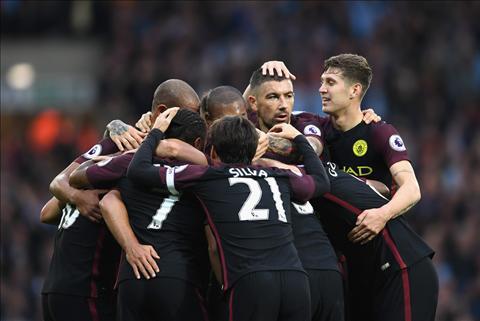Man City vs Barca (2h45 ngay 211) Khi cam hung tro lai voi thay tro Pep… hinh anh 2