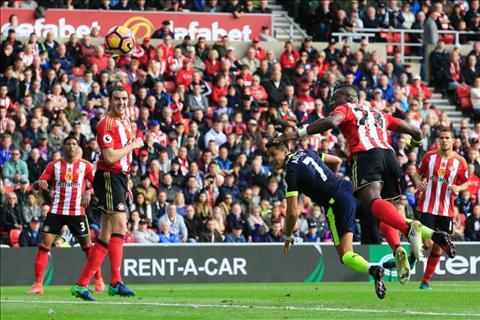 Nhung diem nhan sau tran thang thuyet phuc cua Arsenal truoc Sunderland hinh anh 2