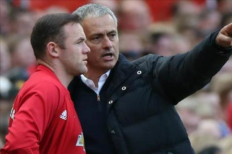 Mourinho dich than len tieng ve tuong lai cua Rooney hinh anh
