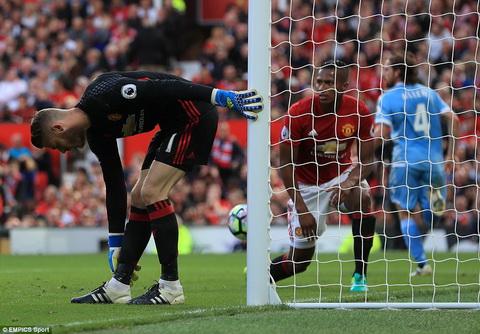 Du am MU 1-1 Stoke Cong cun thu lom hinh anh 3