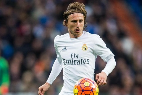 Tien ve Luka Modric gia han hop dong voi Real Madrid hinh anh