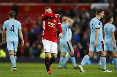 Hoa Burnley, HLV Jose Mourinho con te hon ca David Moyes hinh anh