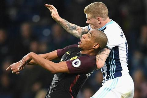 Thang dam West Brom, Guardiola cam on hoc tro co bap hinh anh
