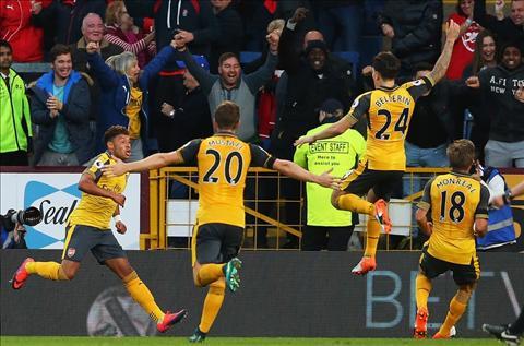 Arsenal thang Burnley