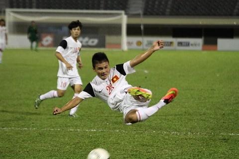 Quang Hai bat ngo khen U19 Viet Nam hon lua Cong Phuong hinh anh