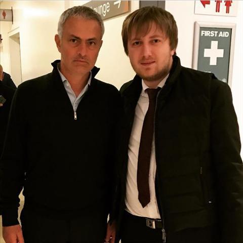 Mourinho bi bat gap dai dien cua Ronaldo Ukraine hinh anh