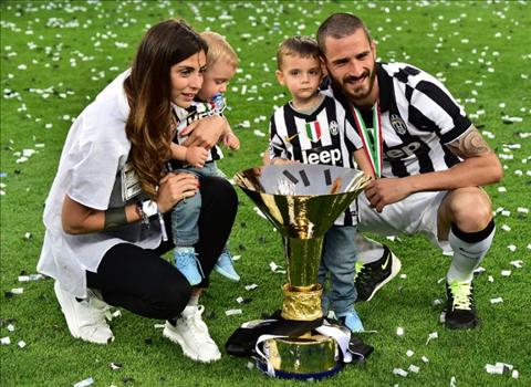 Sao Juventus tu choi ca Man United, Man City va Chelsea vi con trai hinh anh