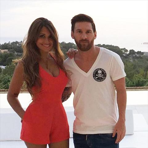 Lionel Messi xam hinh chiec vuong mien vao BTS hinh anh 2