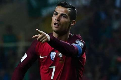 Ronaldo hanh phuc khi tro lai va ghi ban cho DT Bo Dao Nha hinh anh