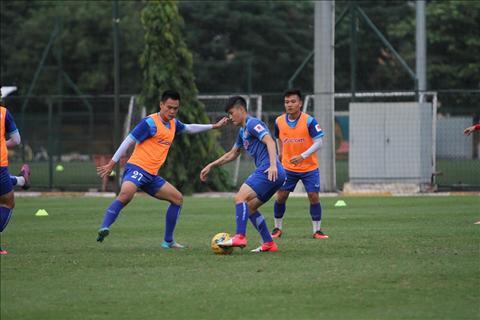 Cong Vinh het loi khen ngoi dan em U19 Viet Nam hinh anh