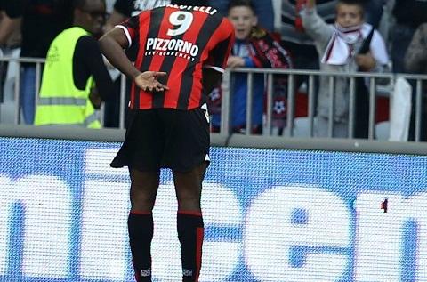Balotelli da ghi 6 ban qua 5 tran dau tien cho Nice