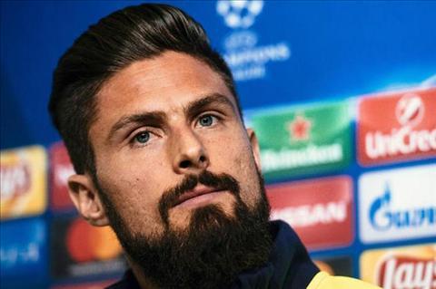 Giroud quyet tam tim lai vi tri chinh thuc tai Arsenal hinh anh