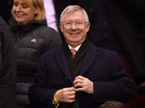 Sir Alex Ferguson tiet lo su that dang sau cai ten ngai may say.