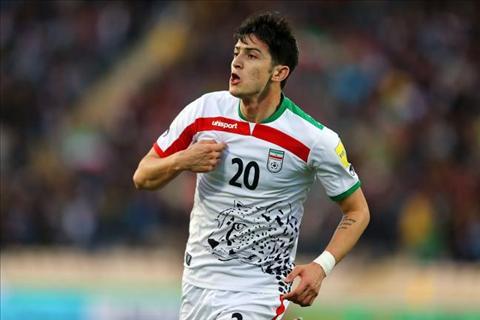 Liverpool nham Messi Iran thay Sturridge hinh anh