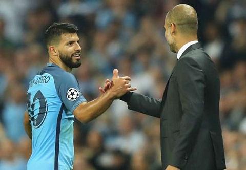 Goc Man City Gabriel Jesus chua the thay the Sergio Aguero hinh anh 2