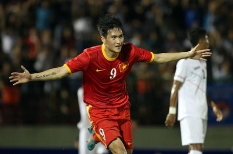 Viet Nam vs Myanmar (18h30 ngay 2011) Khang dinh vi the hinh anh