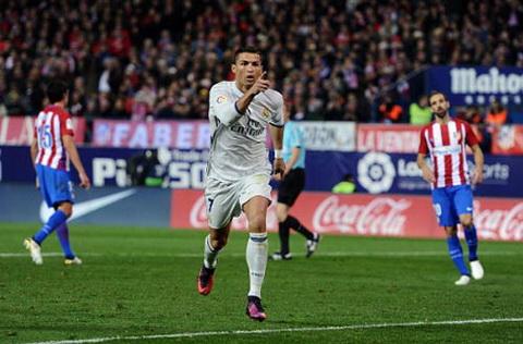 Buoi toi hoan hao cho Ronaldo voi cu hat-trick