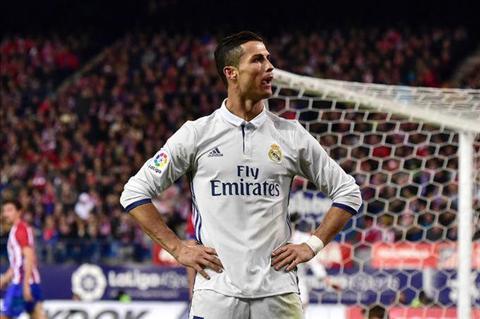 Ronaldo co rat nhieu ke thu o Bo Dao Nha hinh anh