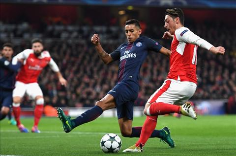 Arsenal vs PSG Ozil doi dau Marquinhos