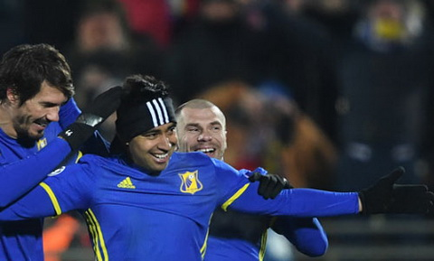 Thua Rostov, Bayern con mat them trung ve Jerome Boateng hinh anh