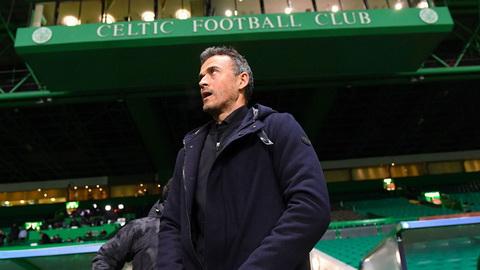 Barcelona lot vao vong trong, Luis Enrique chi trich CDV Celtic.