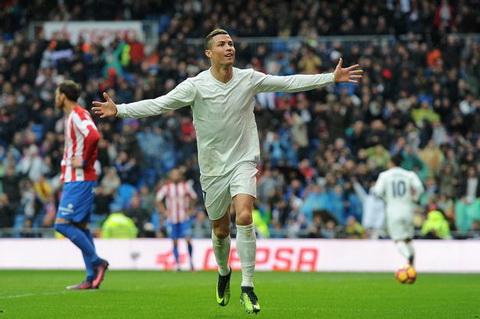 Real Madrid lai thang, Cris Ronaldo va Zidane lap ky luc sieu khung hinh anh