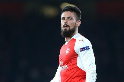 Walcott Tien dao Olivier Giroud van rat quan trong voi Arsenal hinh anh