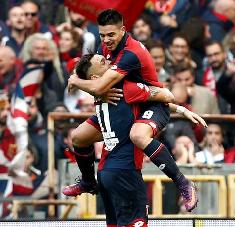 Genoa 3-1 Juventus Con trai HLV Diego Simeone gop tay tao dia chan o Serie A hinh anh
