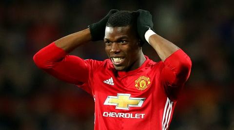 Pogba cho rang Man Utd cu nhu the dang bi nguyen rua.