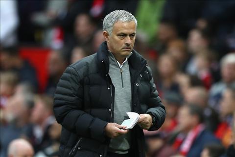 Neville HLV Jose Mourinho can 3 nam de thanh cong o MU hinh anh