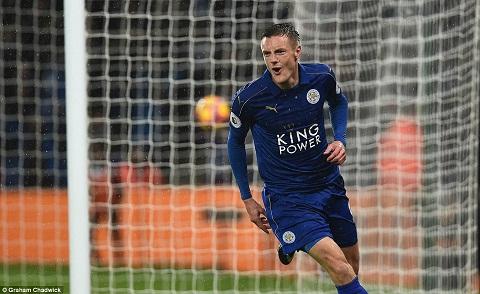 Tien dao Jamie Vardy di vao lich su Leicester hinh anh